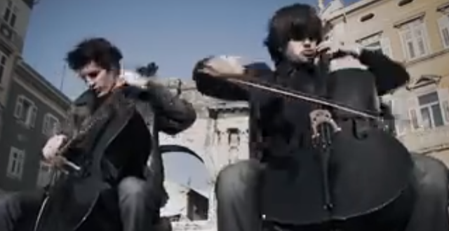 2CELLOS – Welcome To The Jungle